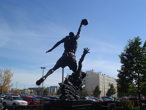 Michael Jordan Flies Through the Air (statue) from Esparta on Flickr